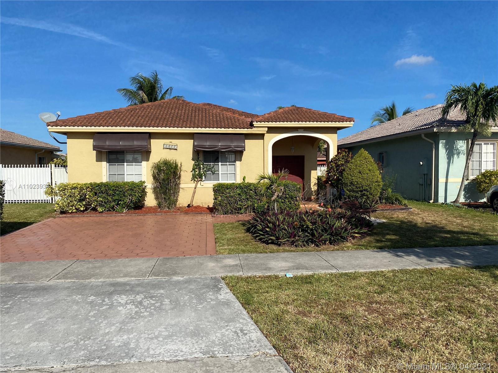 Miami Lakes - 14637 NW 89th Ave, Miami Lakes, FL 33018