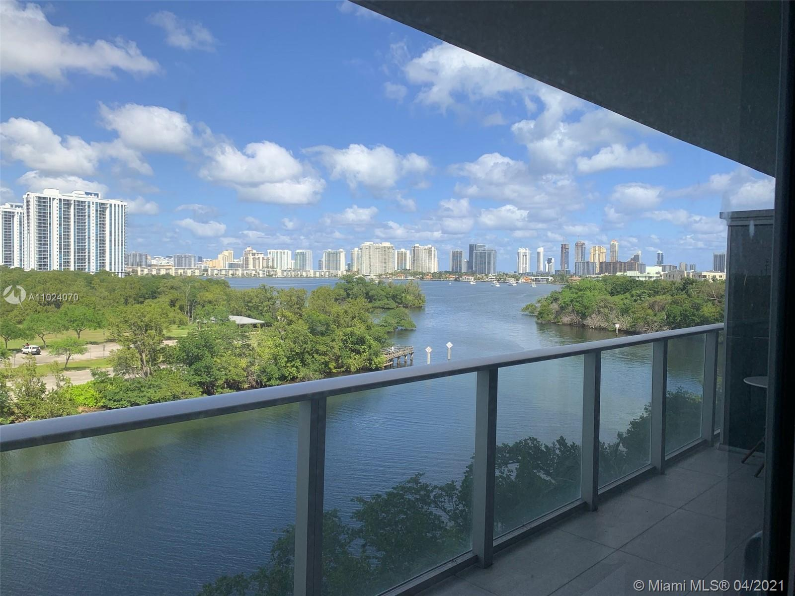 16385 Biscayne Blvd #503 photo01