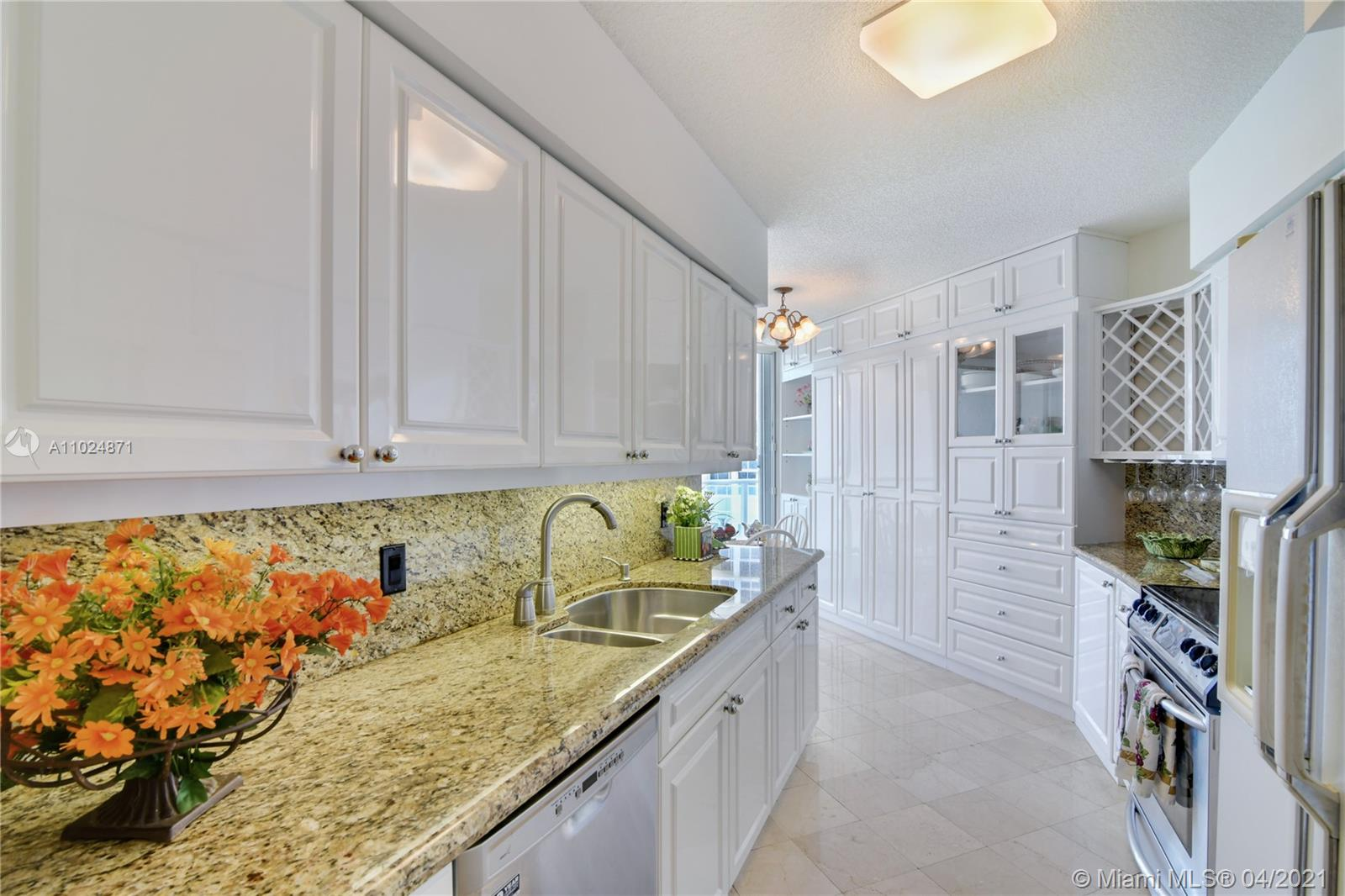 16445 Collins Ave #2322 photo06