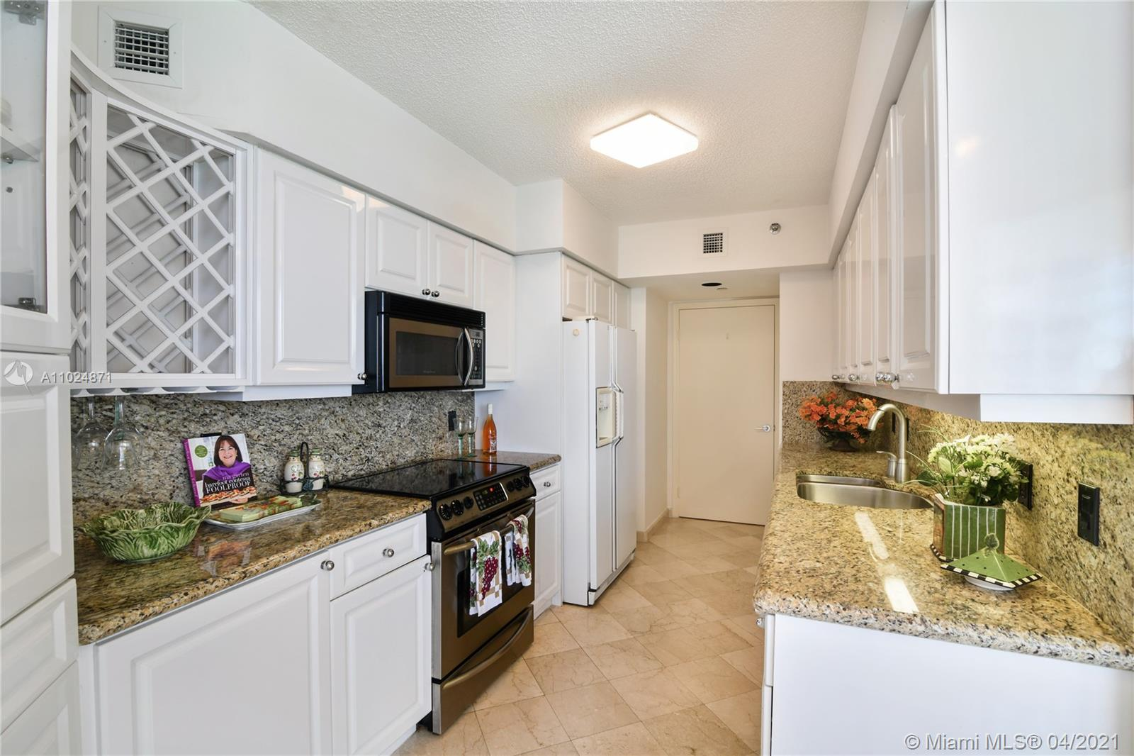 16445 Collins Ave #2322 photo05