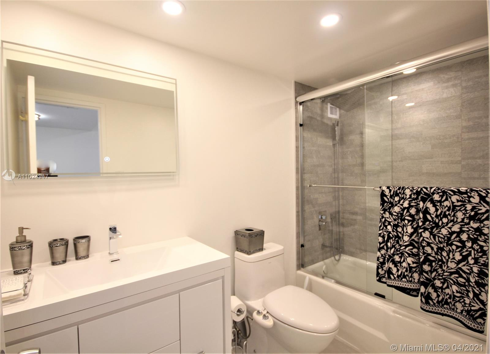 5161 Collins Ave #811 photo09