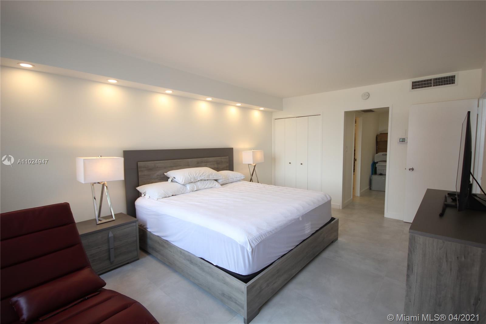 5161 Collins Ave #811 photo08