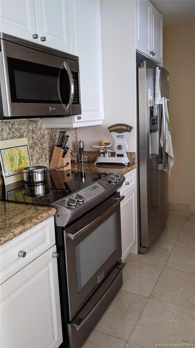 848 Brickell Key Dr #703 photo03