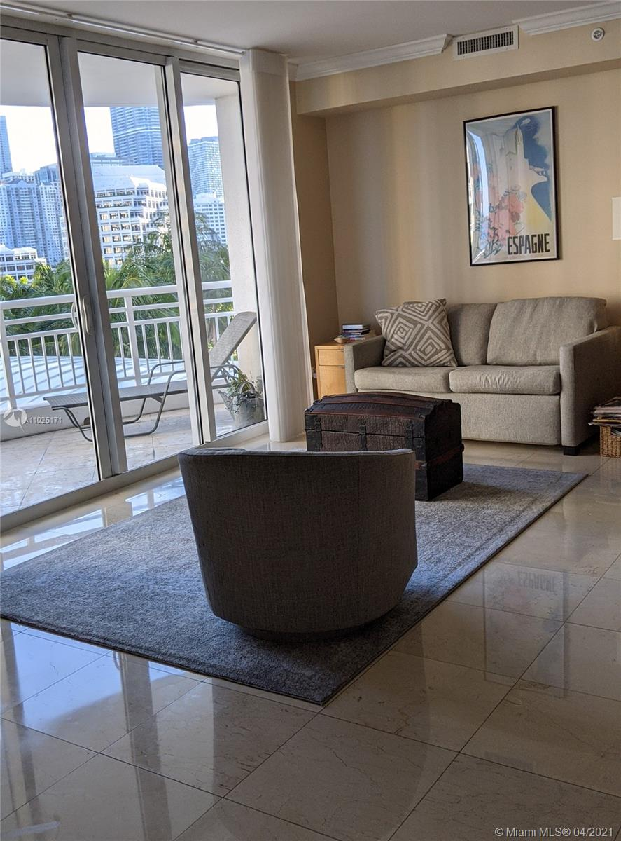 848 Brickell Key Dr #703 photo05
