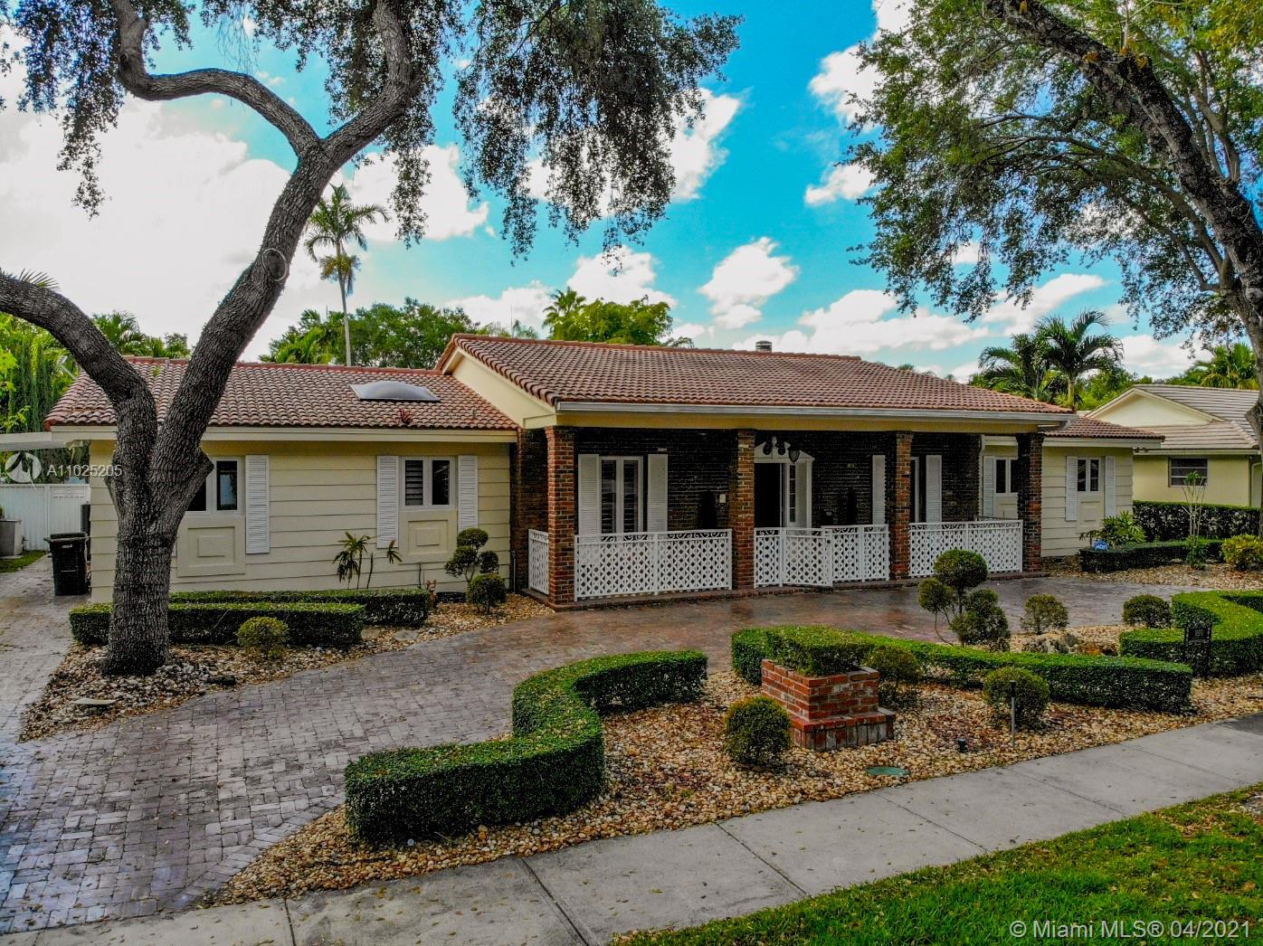 Miami Lakes - 16140 Aberdeen Way, Miami Lakes, FL 33014