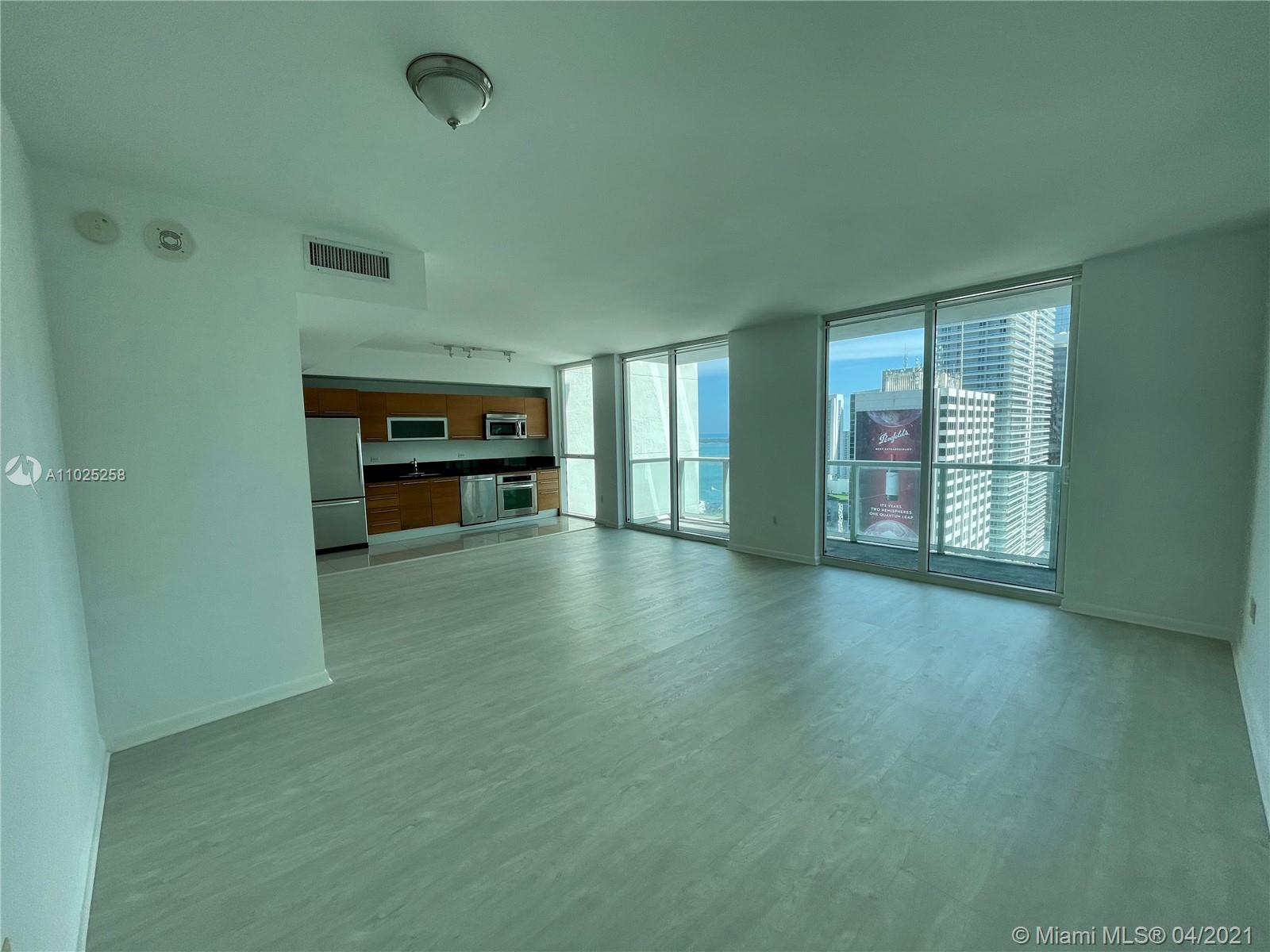 244 Biscayne Blvd #3005 photo01