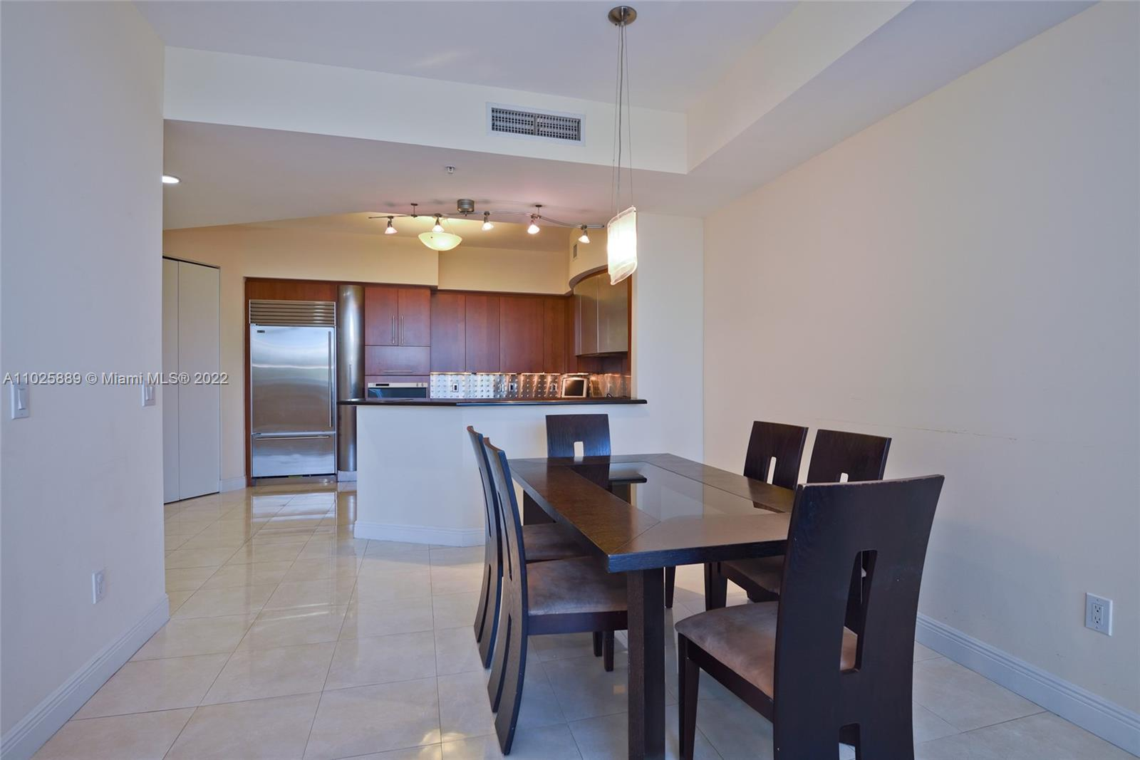 18101 Collins Ave #508 photo06