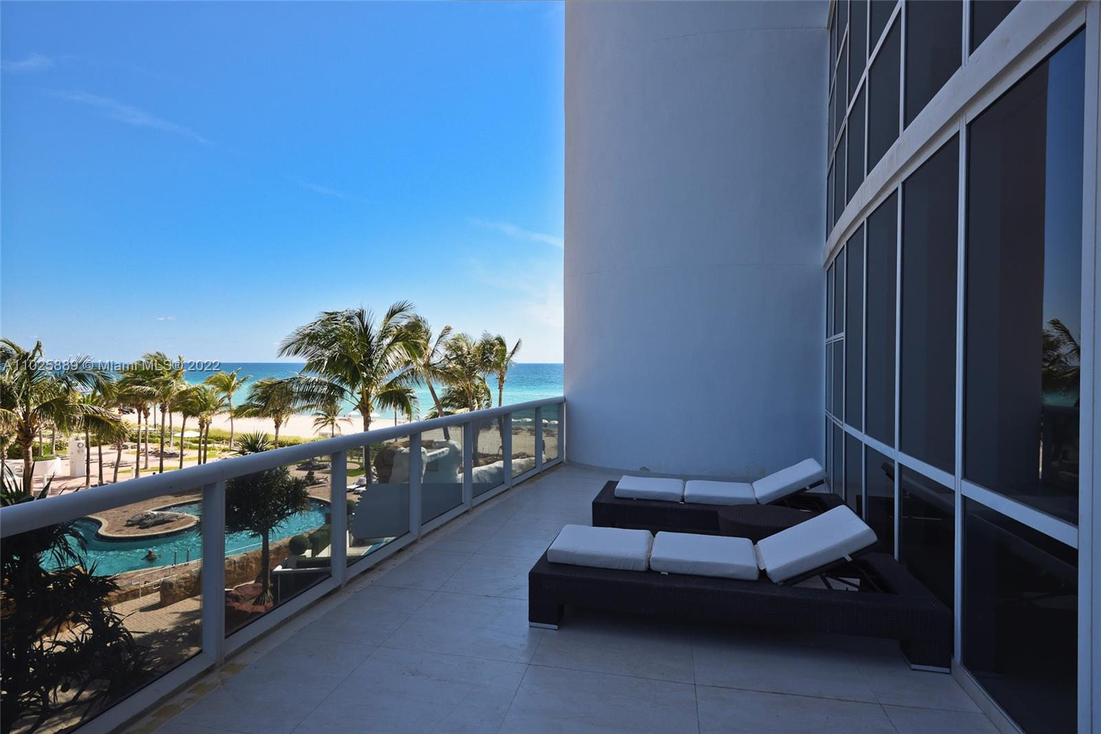 18101 Collins Ave #508 photo03