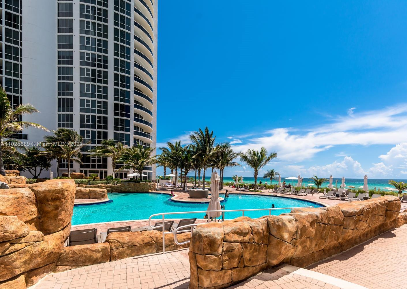 18101 Collins Ave #508 photo024