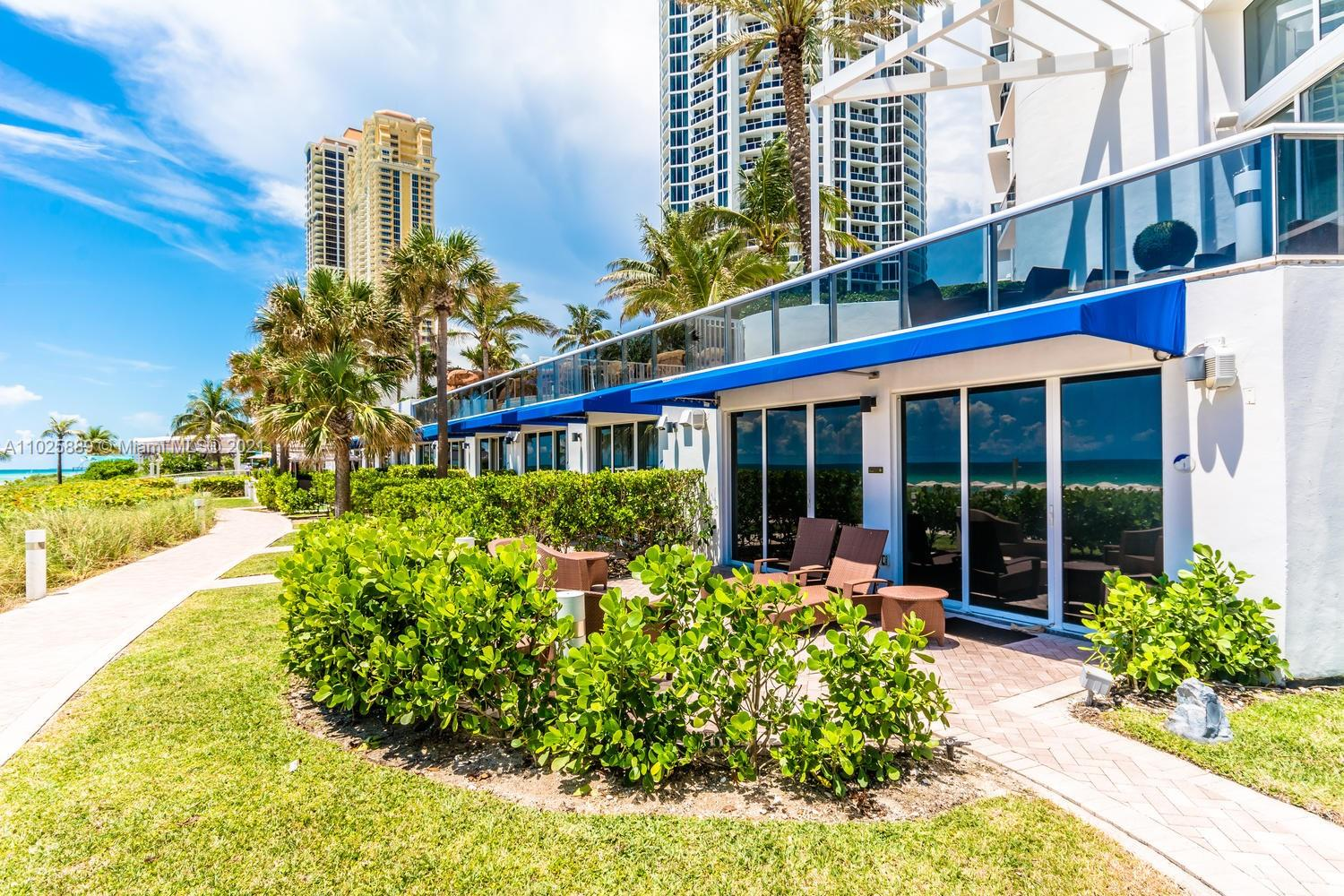 18101 Collins Ave #508 photo033