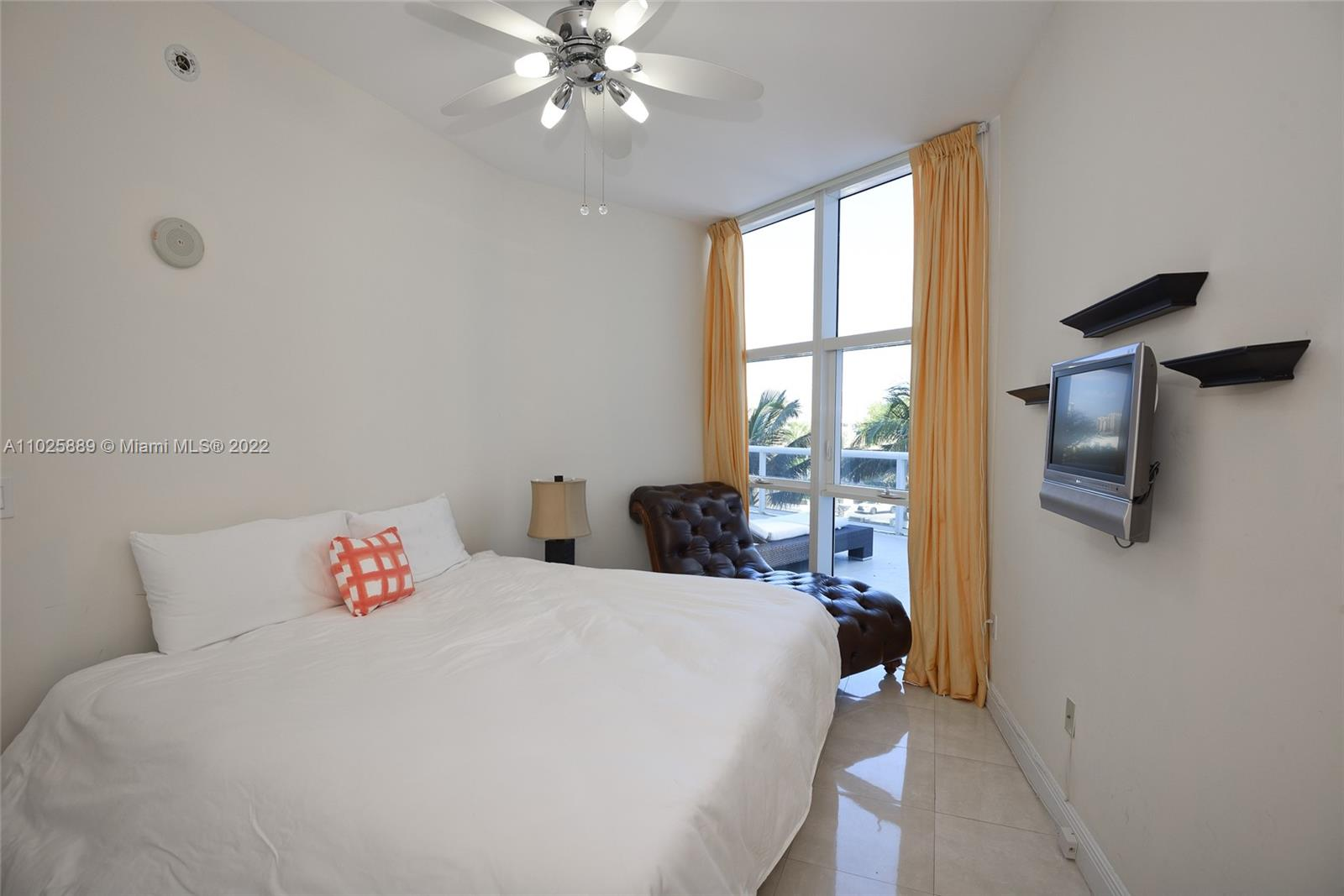 18101 Collins Ave #508 photo014