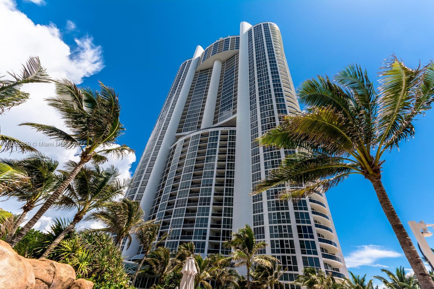 18101 Collins Ave #508 photo018