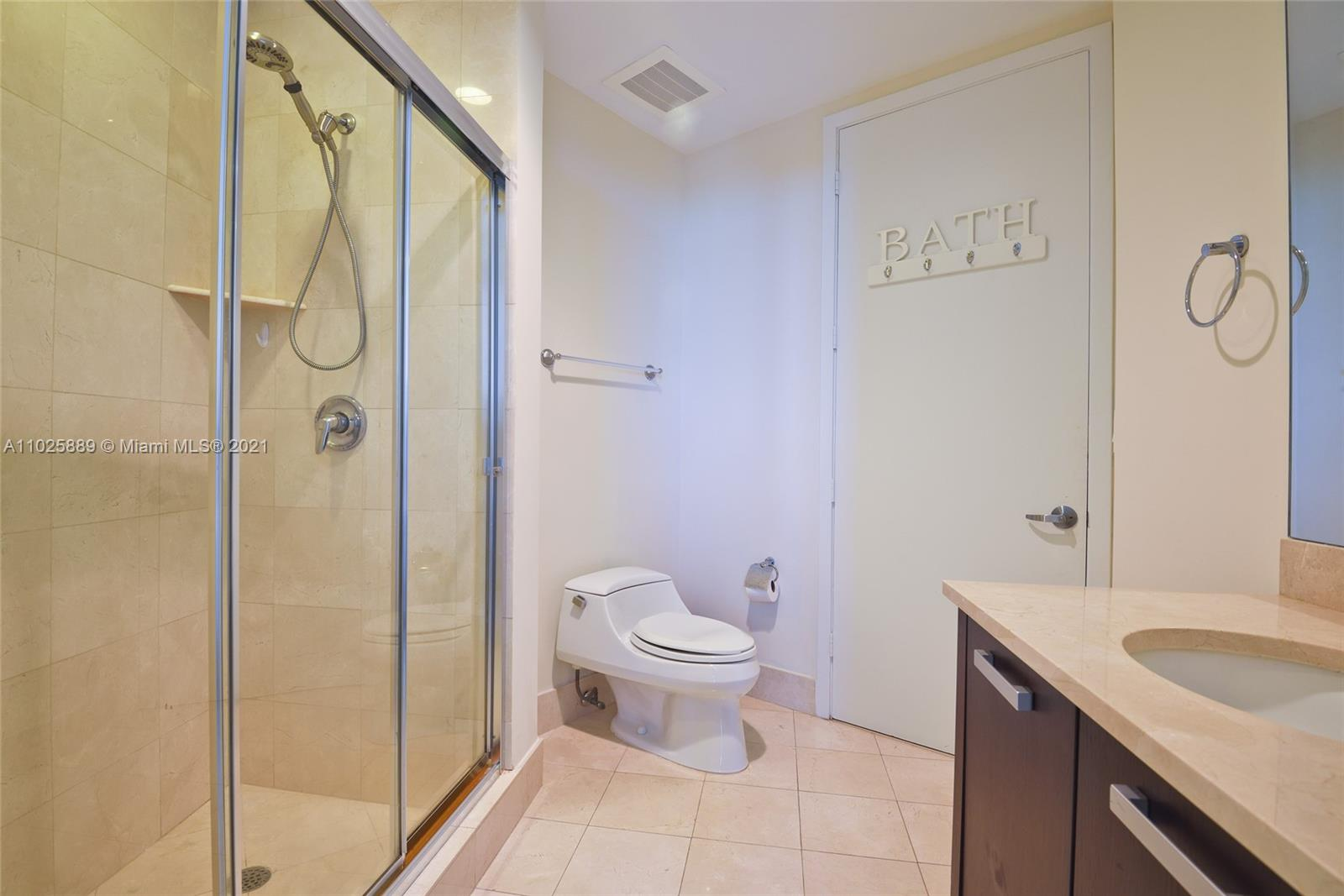 18101 Collins Ave #508 photo015