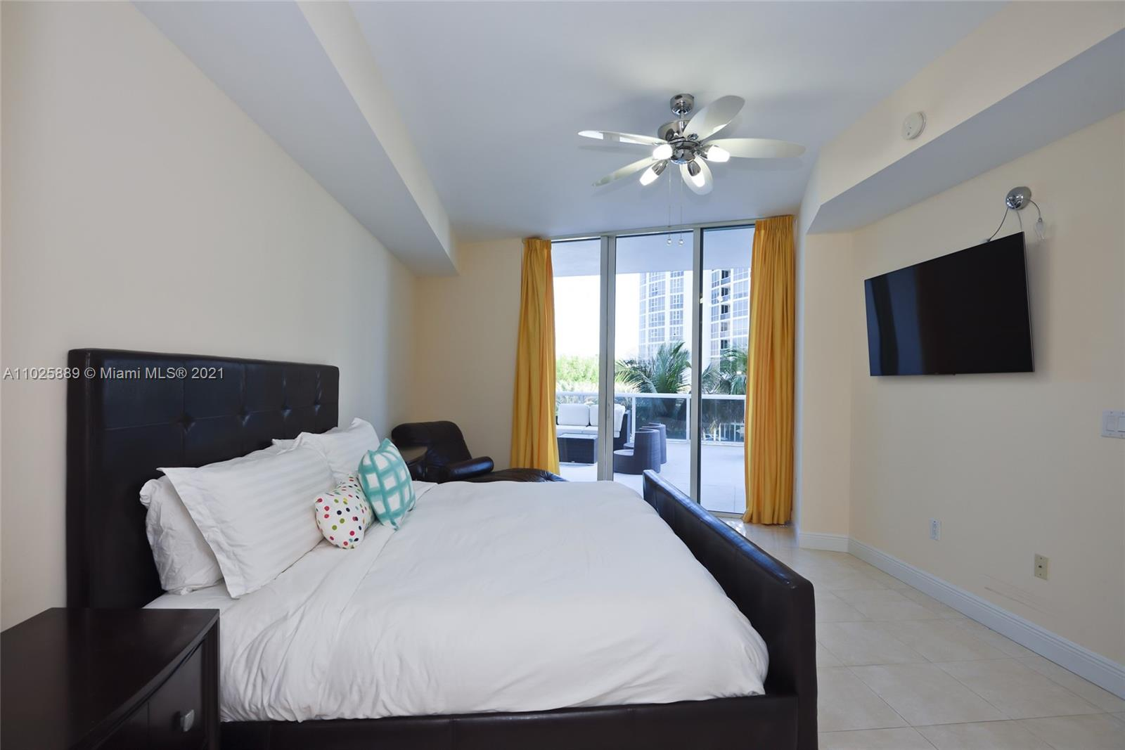 18101 Collins Ave #508 photo011