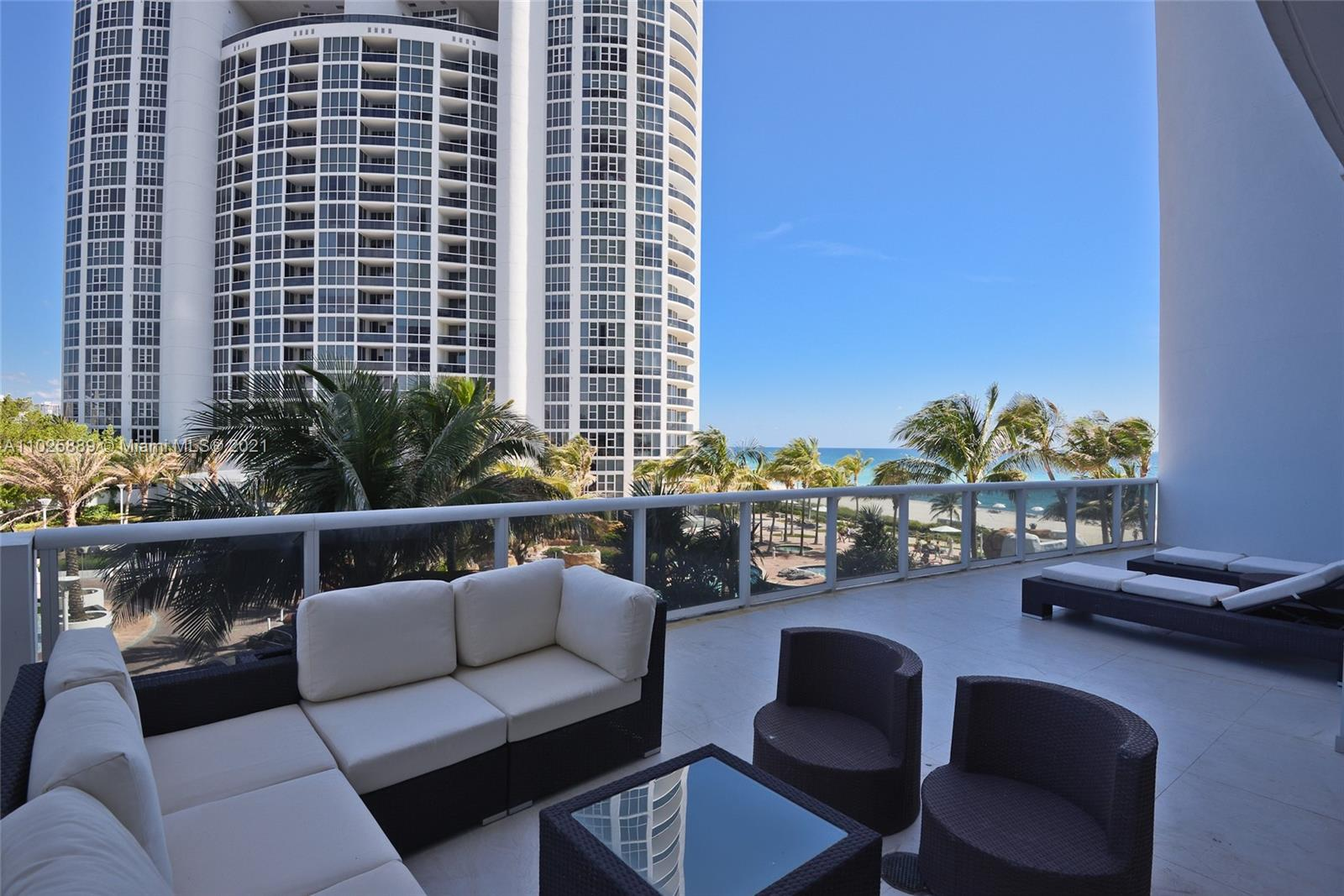 18101 Collins Ave #508 photo04