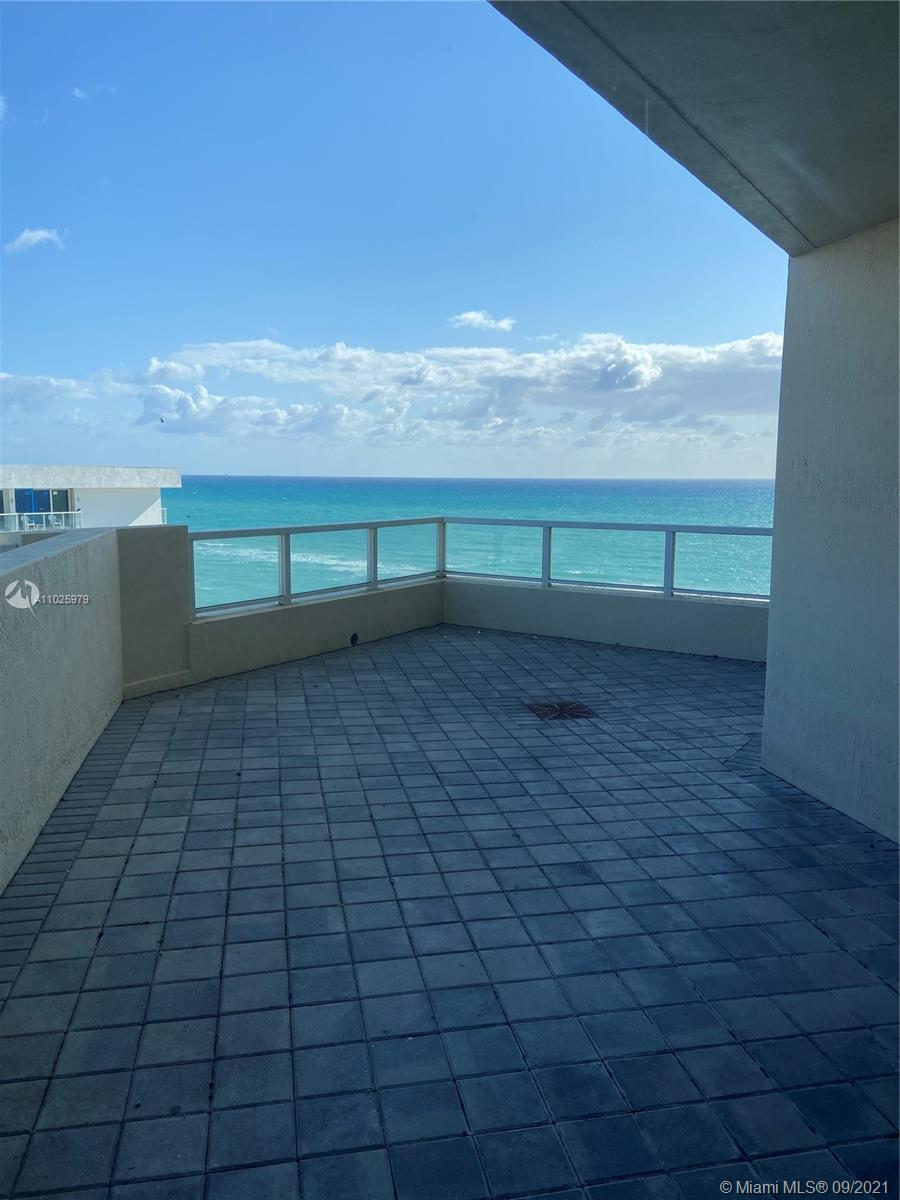 16699 Collins Ave #1104 photo022
