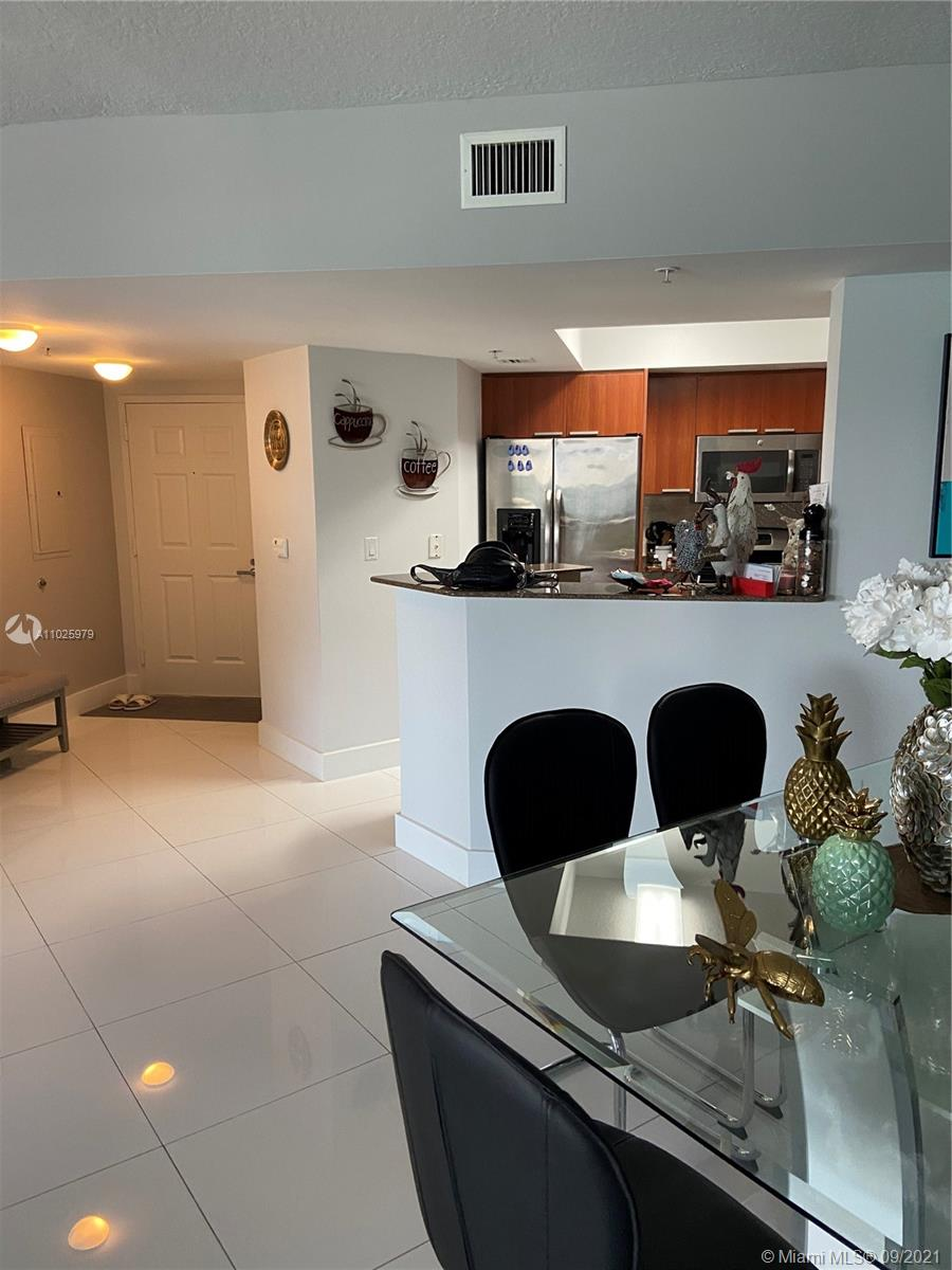 16699 Collins Ave #1104 photo020