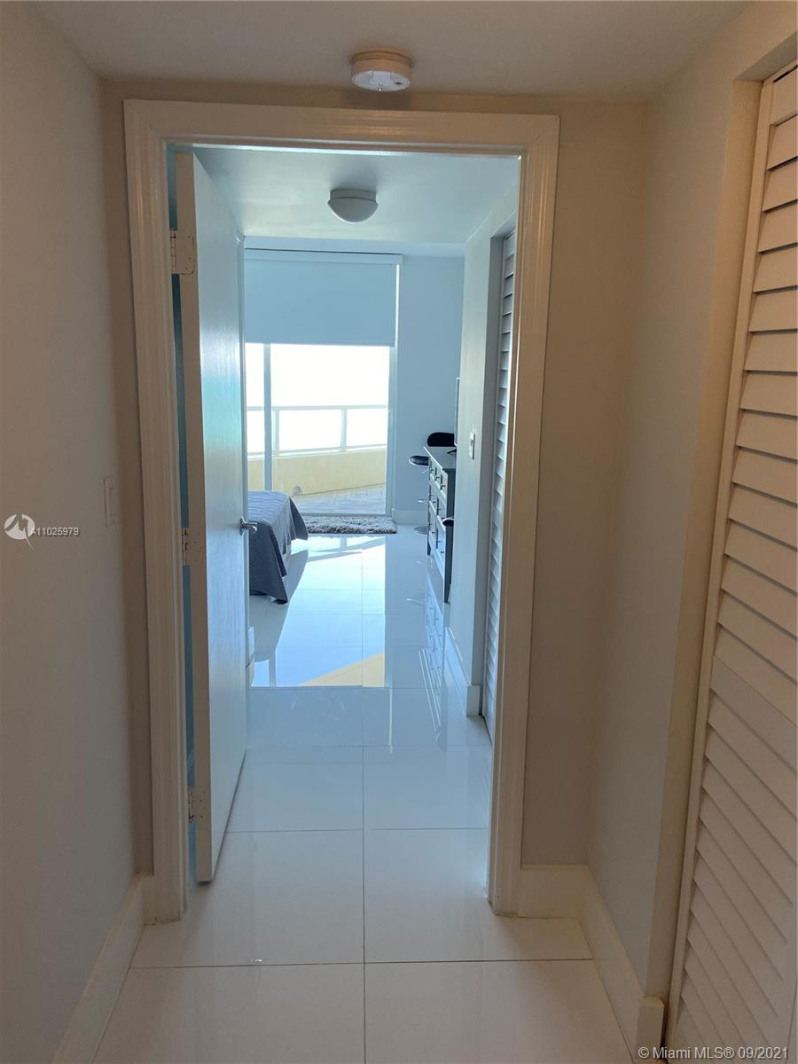 16699 Collins Ave #1104 photo010