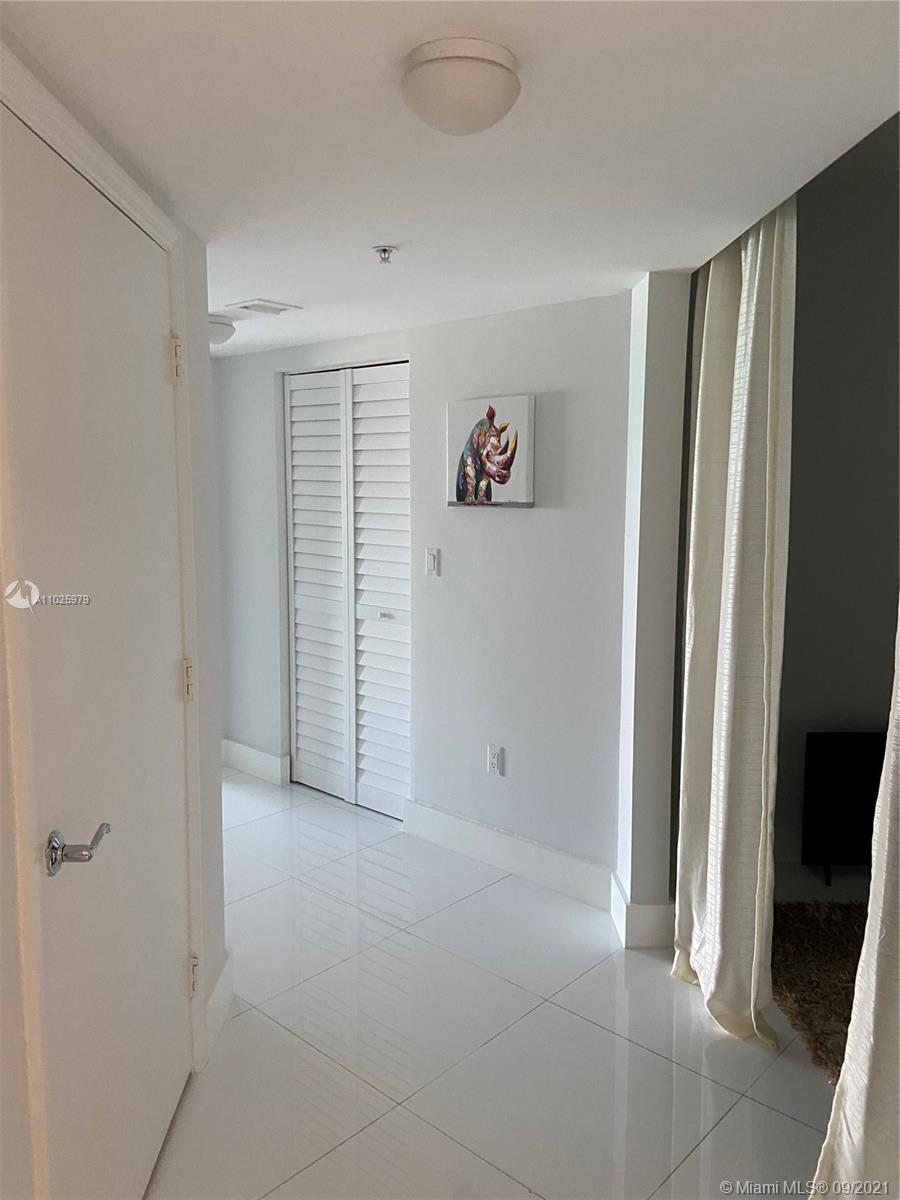 16699 Collins Ave #1104 photo015