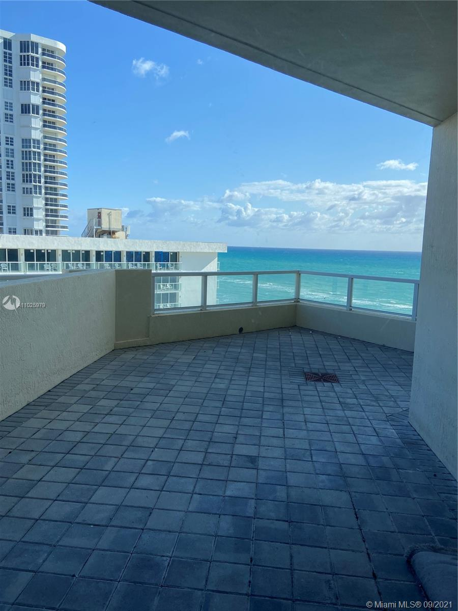 16699 Collins Ave #1104 photo021