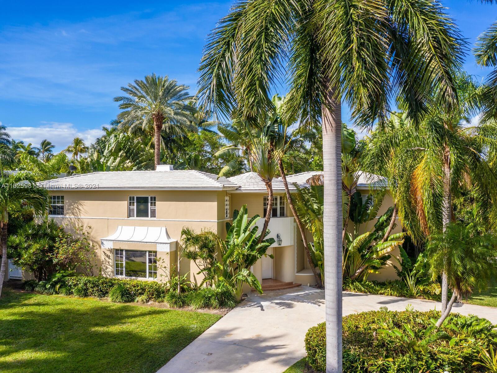 Sunset Islands - 2560 Sunset Dr, Miami Beach, FL 33140