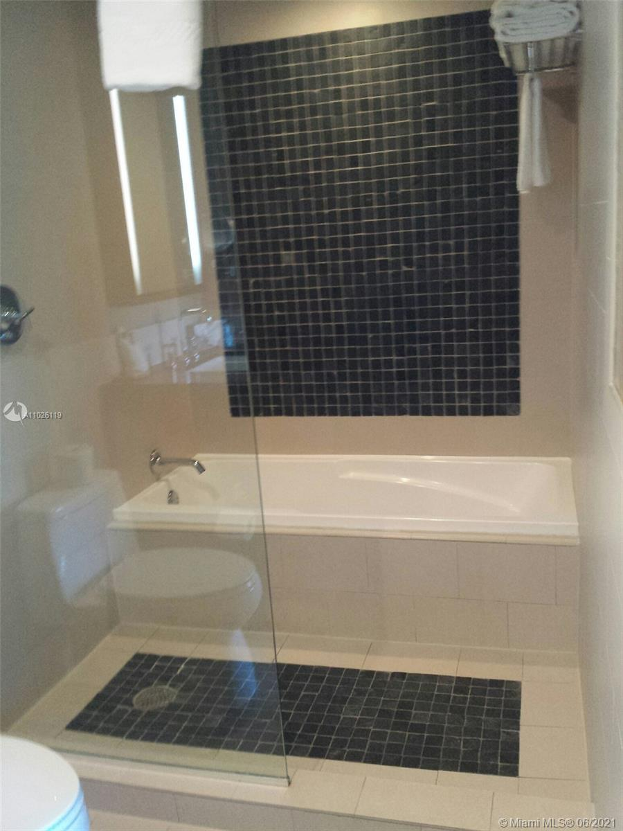 17315 Collins Ave #607A  607B photo026