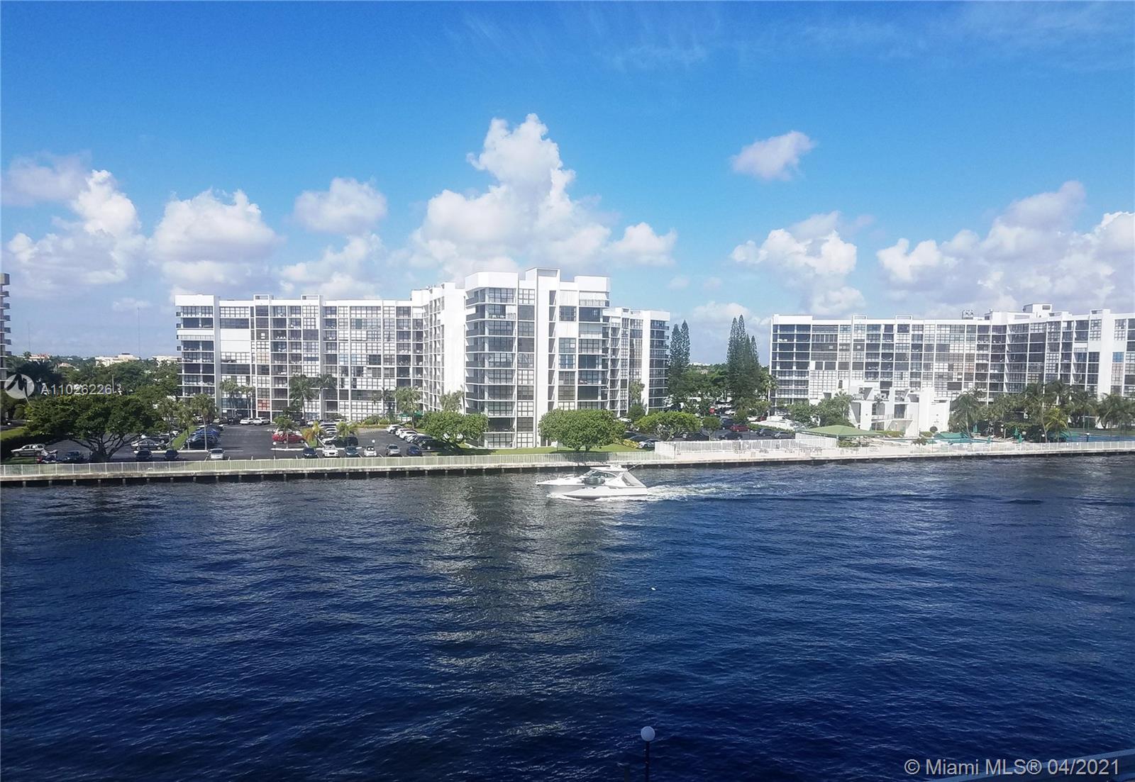 Residences on Hollywood West Tower #404 - 3000 S Ocean Dr #404, Hollywood, FL 33019