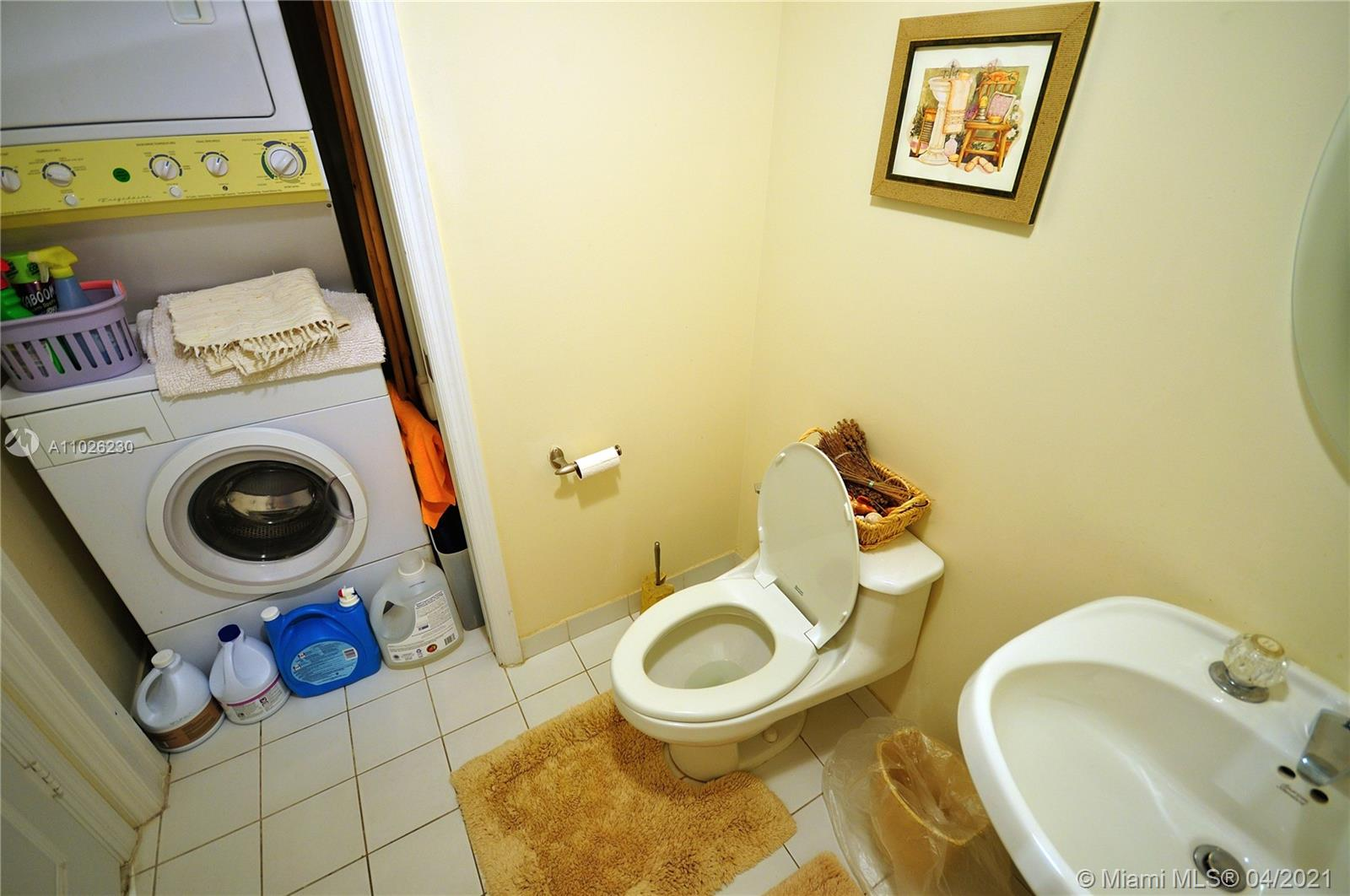 17275 Collins Ave #409 photo013