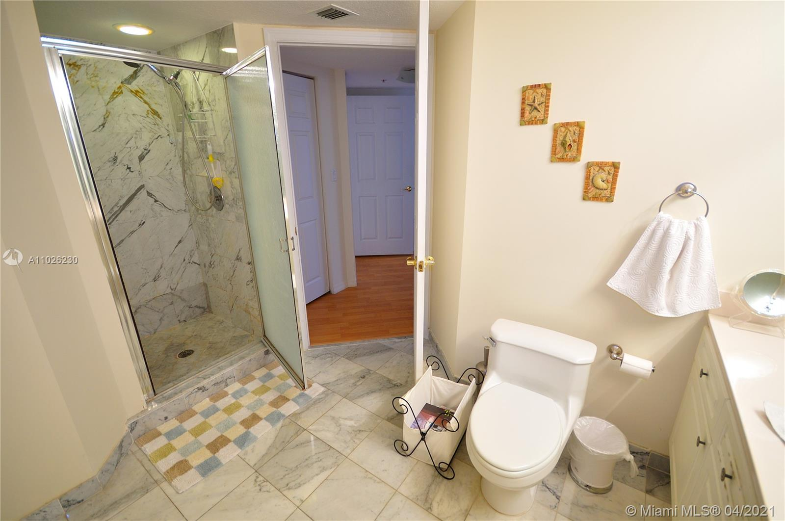 17275 Collins Ave #409 photo012