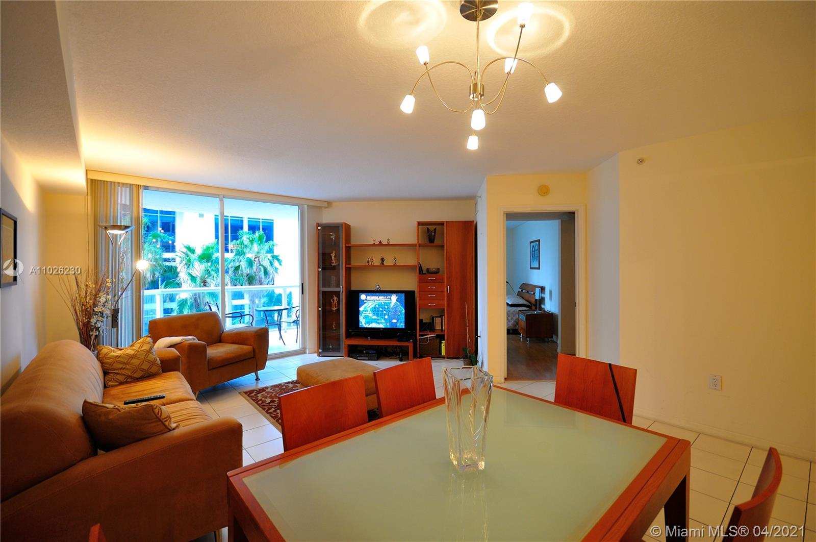 17275 Collins Ave #409 photo04