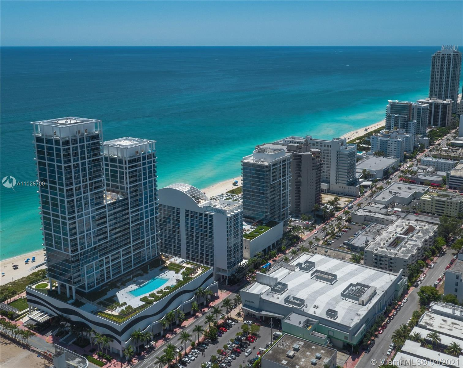 Carillon Hotel Tower #LPH09 - 6801 Collins Ave #LPH09, Miami Beach, FL 33141