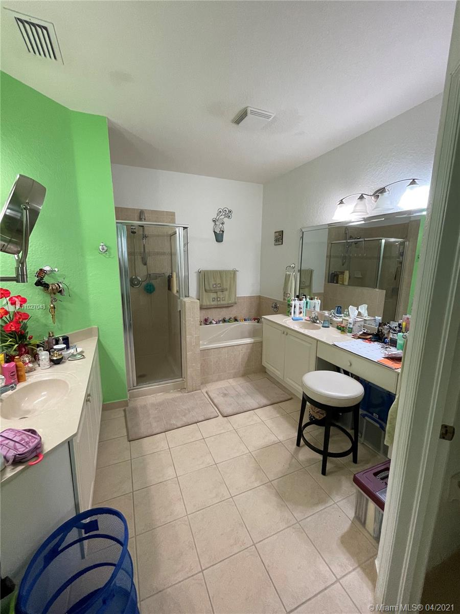 11066 NW 86th Ter #11066 photo027