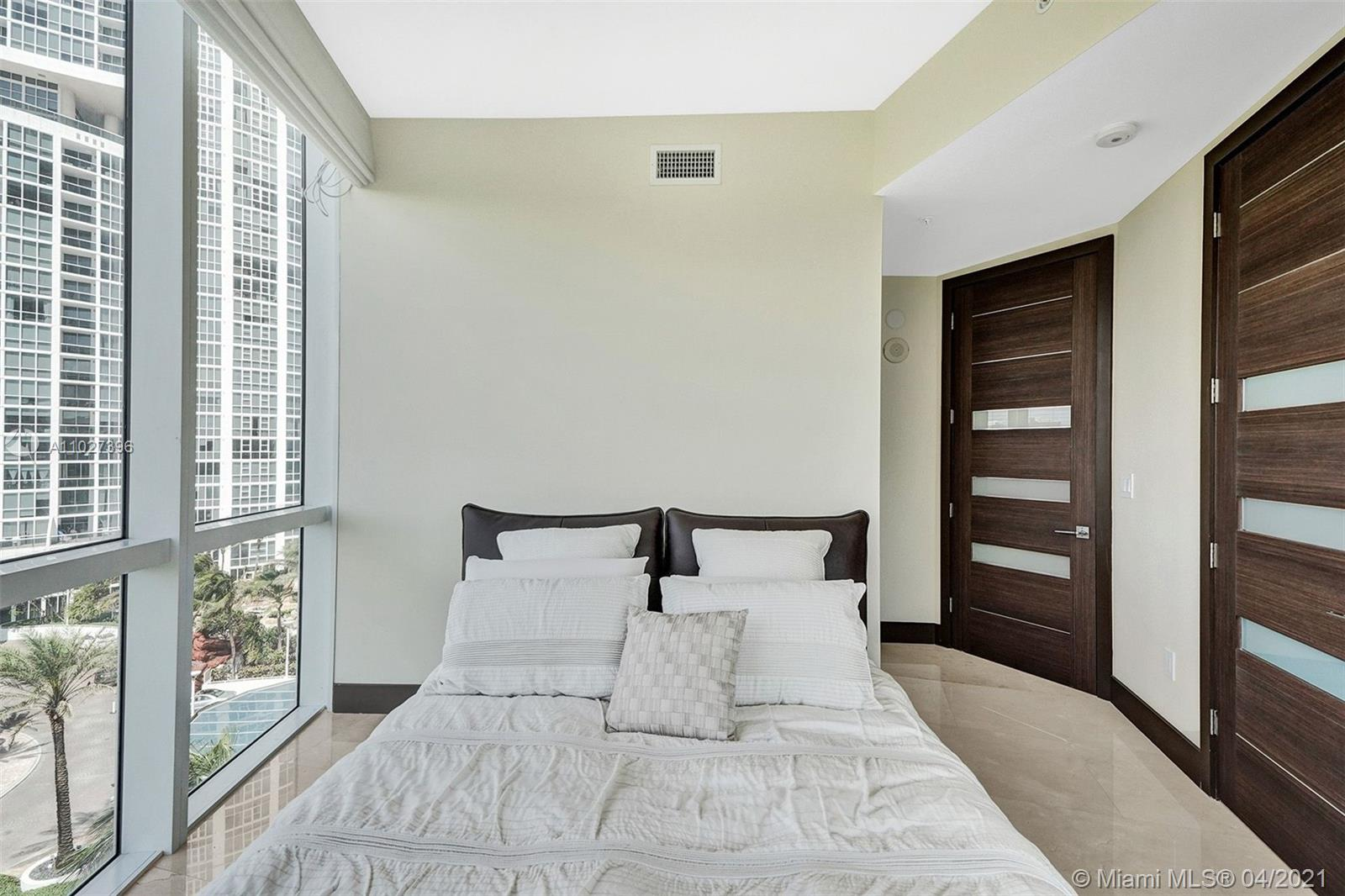 18101 Collins Ave #801 photo056