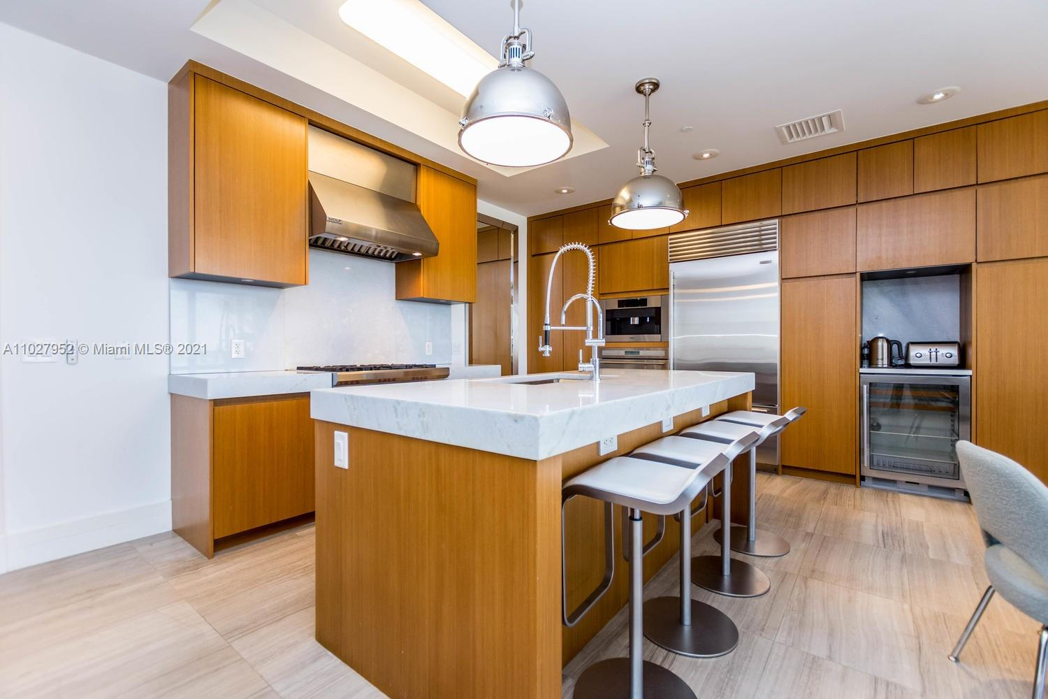 9705 Collins Ave #1705N photo04
