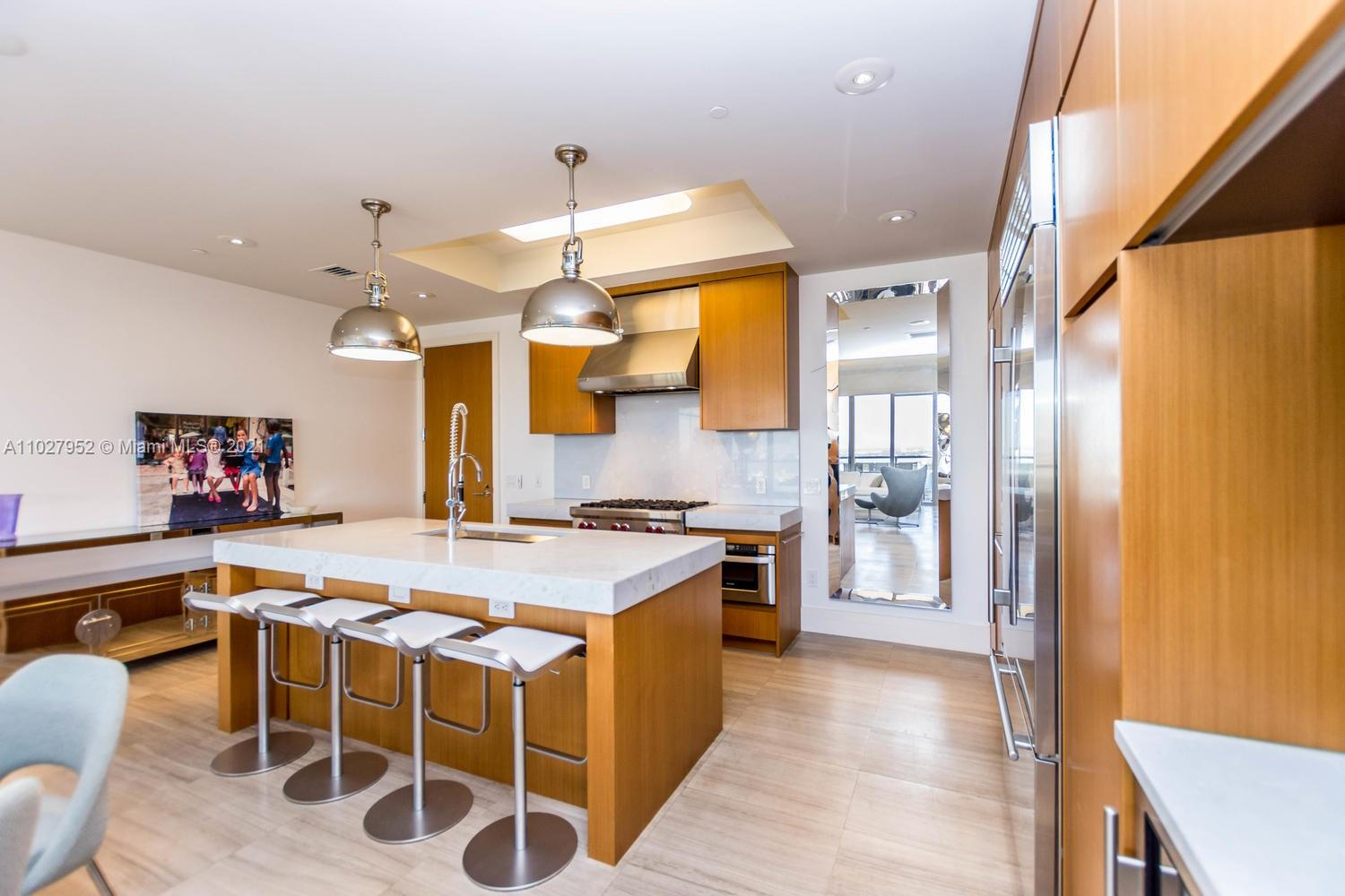 9705 Collins Ave #1705N photo08
