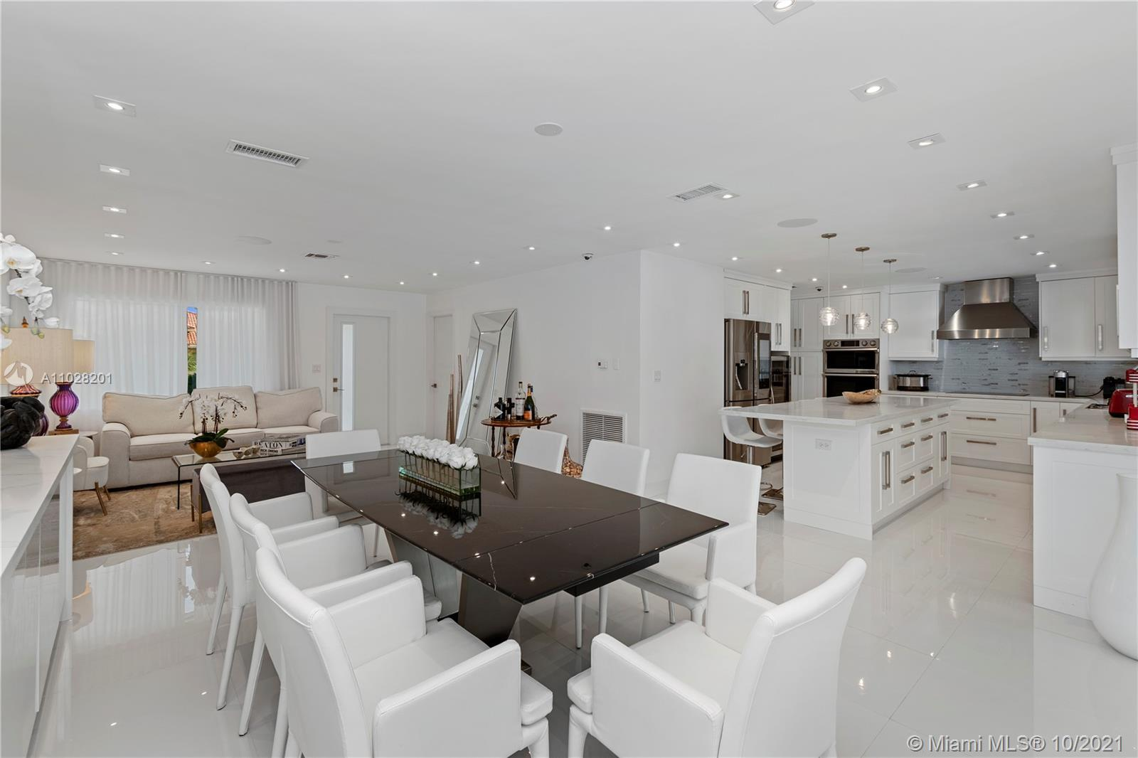 Open floor plan concept, spacious, modern and chic!