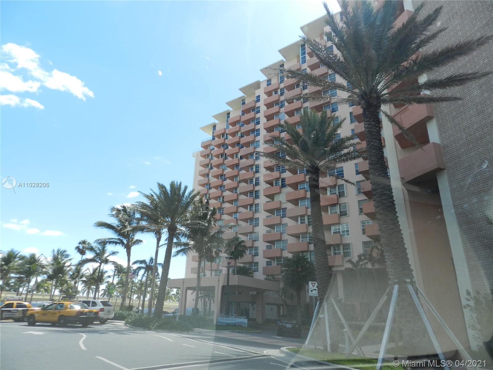 Triton Tower #808 - 2899 Collins Ave #808, Miami Beach, FL 33140
