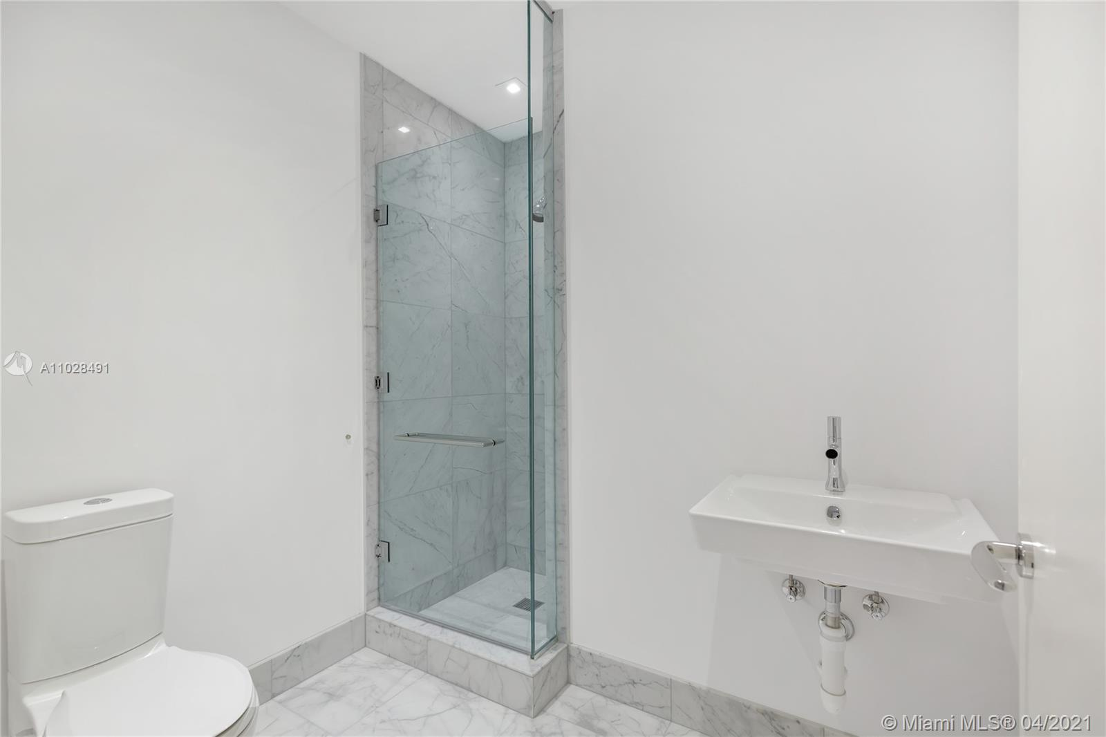 16901 Collins Ave #4103 photo030