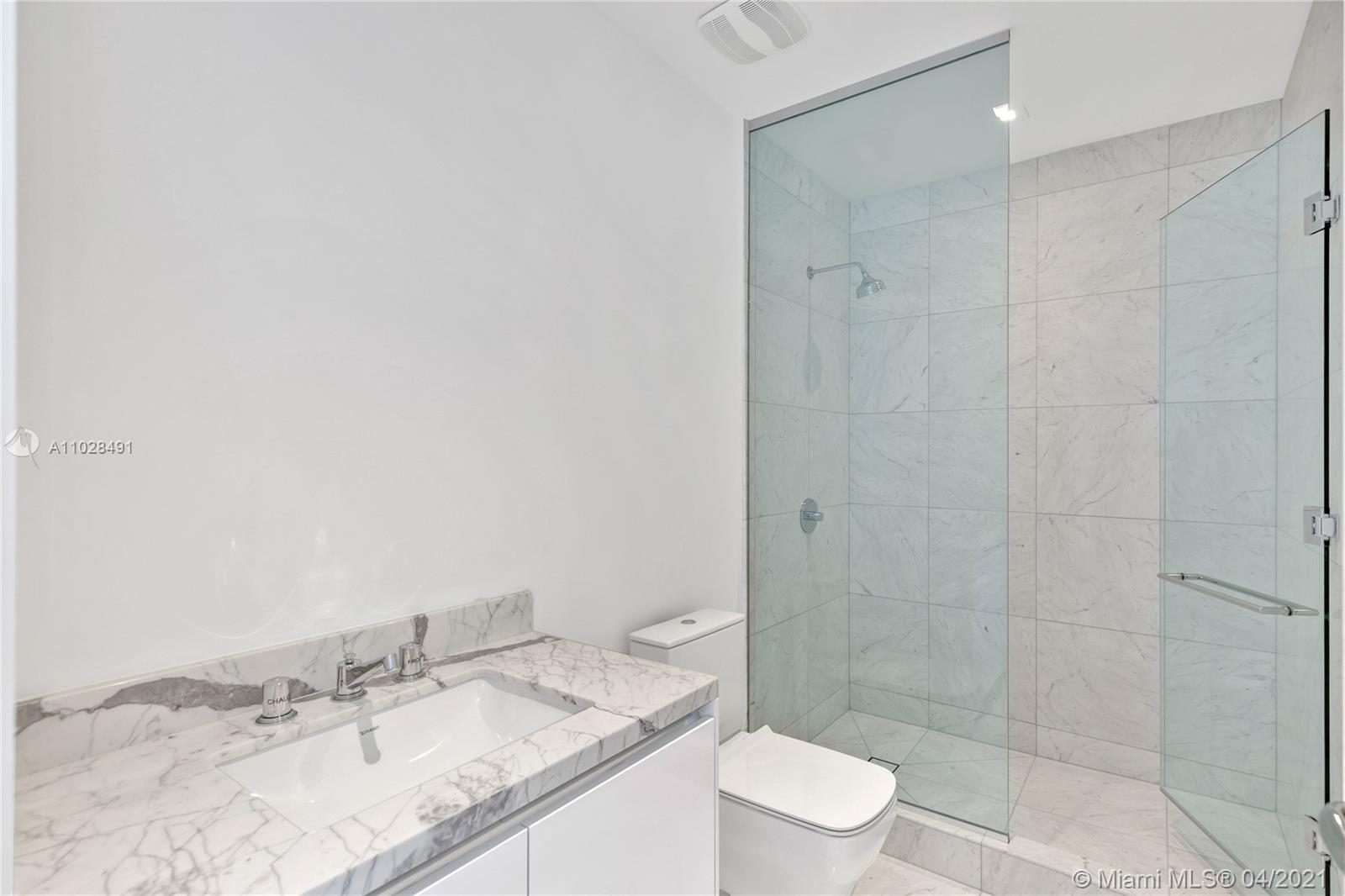 16901 Collins Ave #4103 photo037