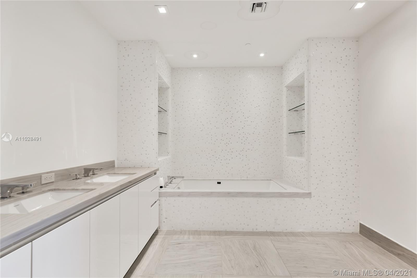 16901 Collins Ave #4103 photo040