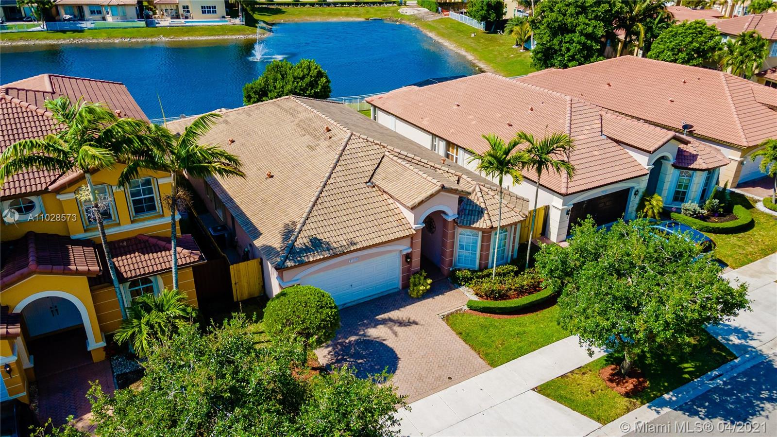 Islands At Doral - 11310 NW 79th Ln, Doral, FL 33178