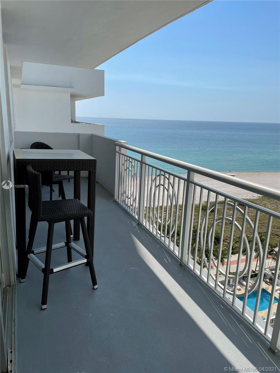 5825 Collins Ave #14H photo02