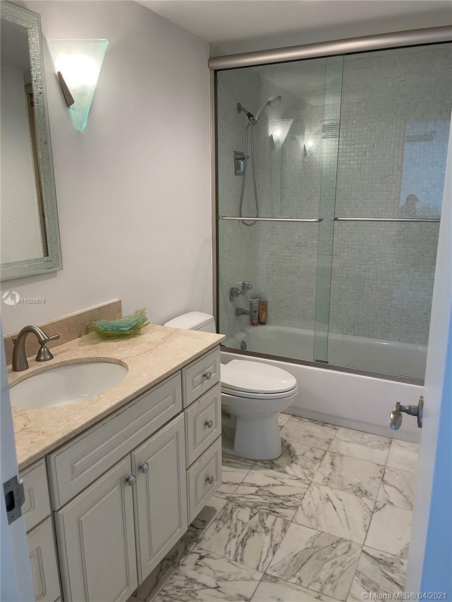 5825 Collins Ave #14H photo012