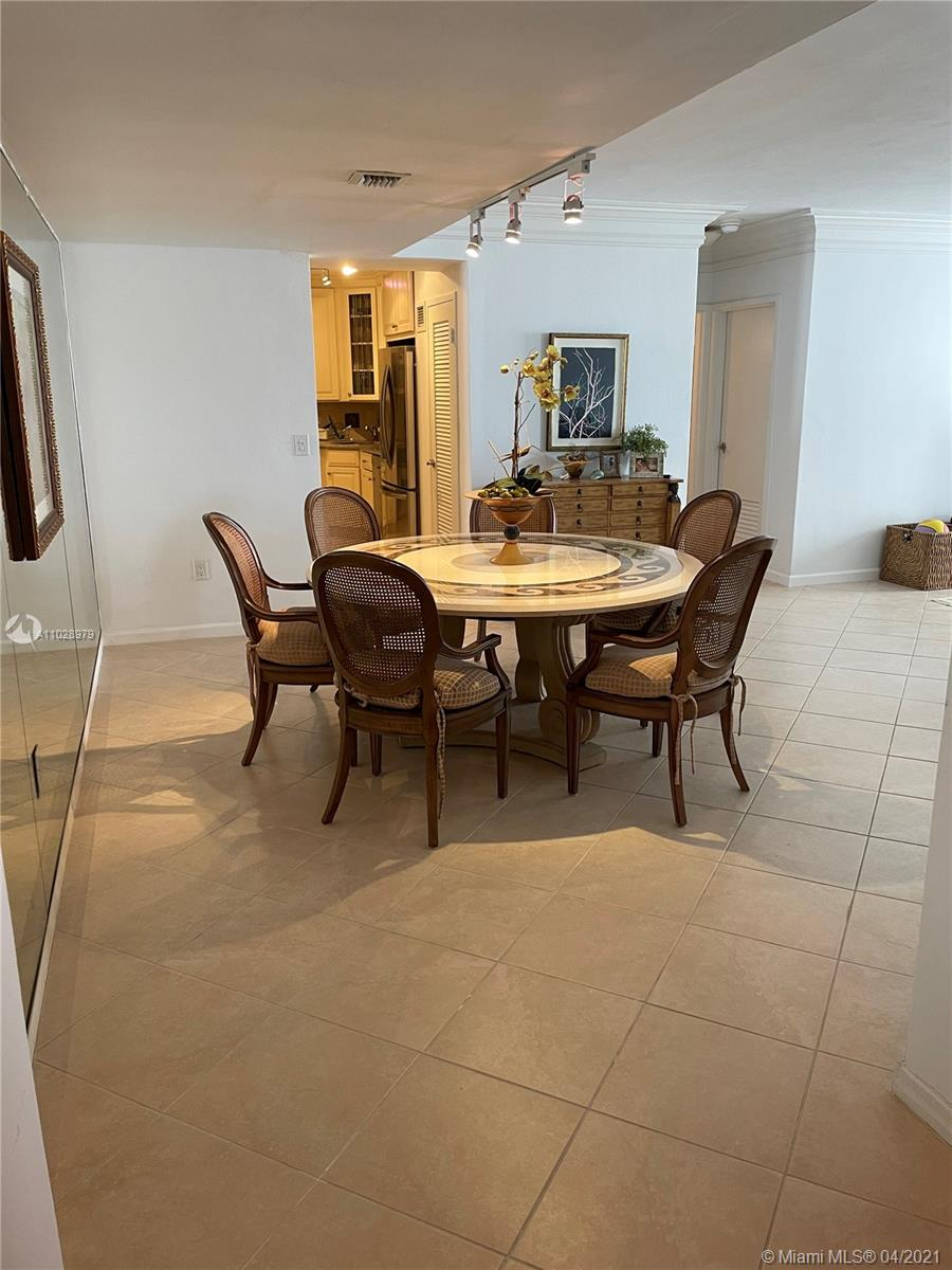 5825 Collins Ave #14H photo04