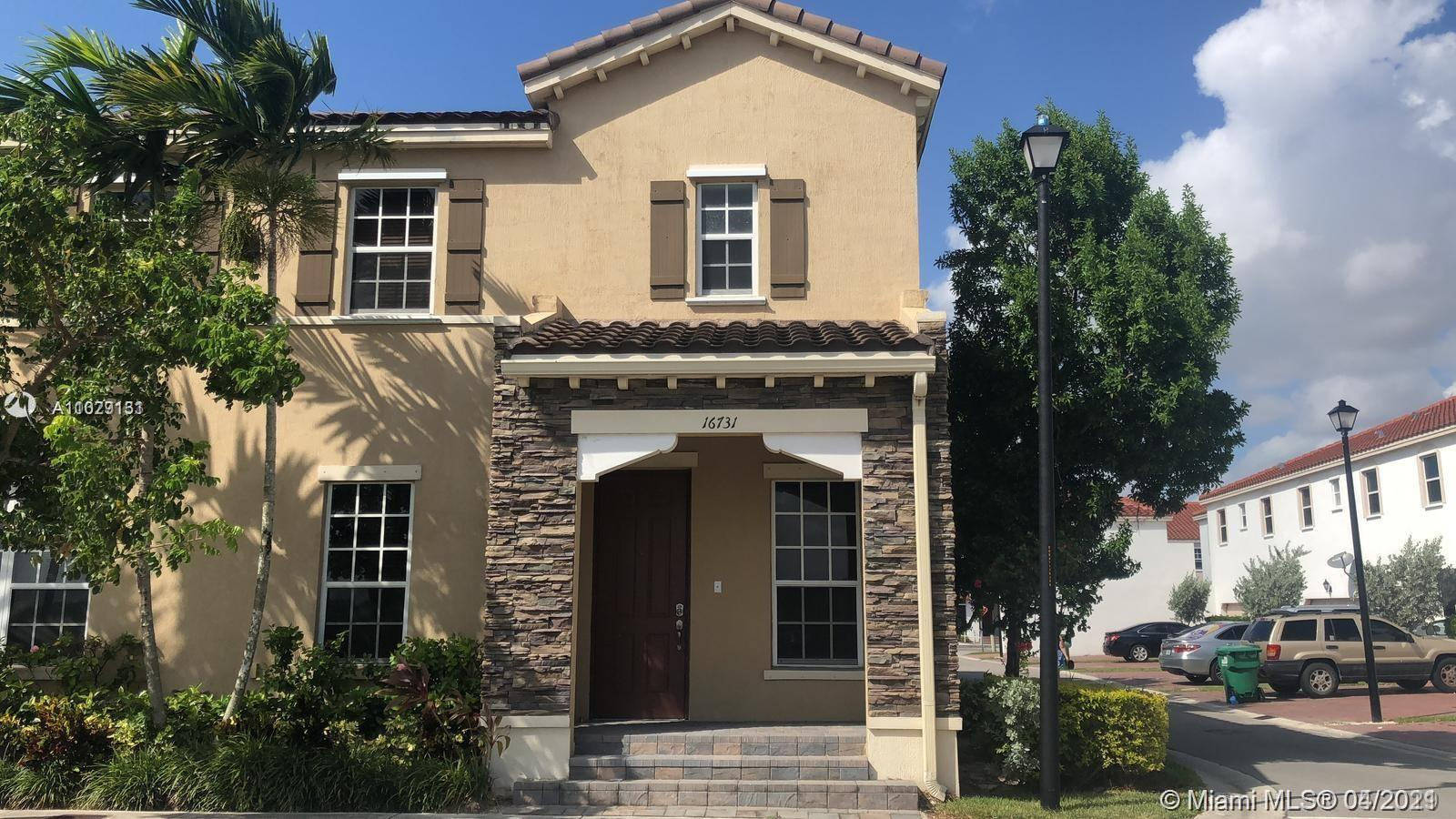 Kendall Commons - 16731 SW 96th St, Miami, FL 33196