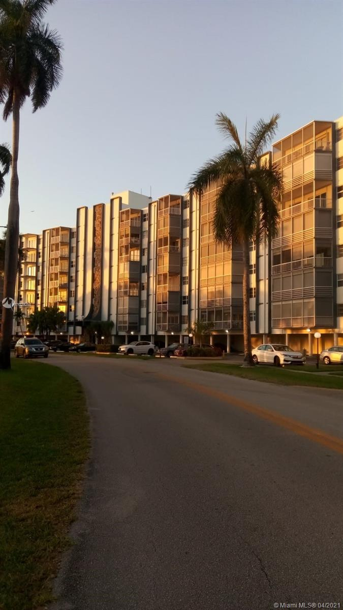 Fairways Riviera #412 - 300 Diplomat Pkwy #412, Hallandale Beach, FL 33009