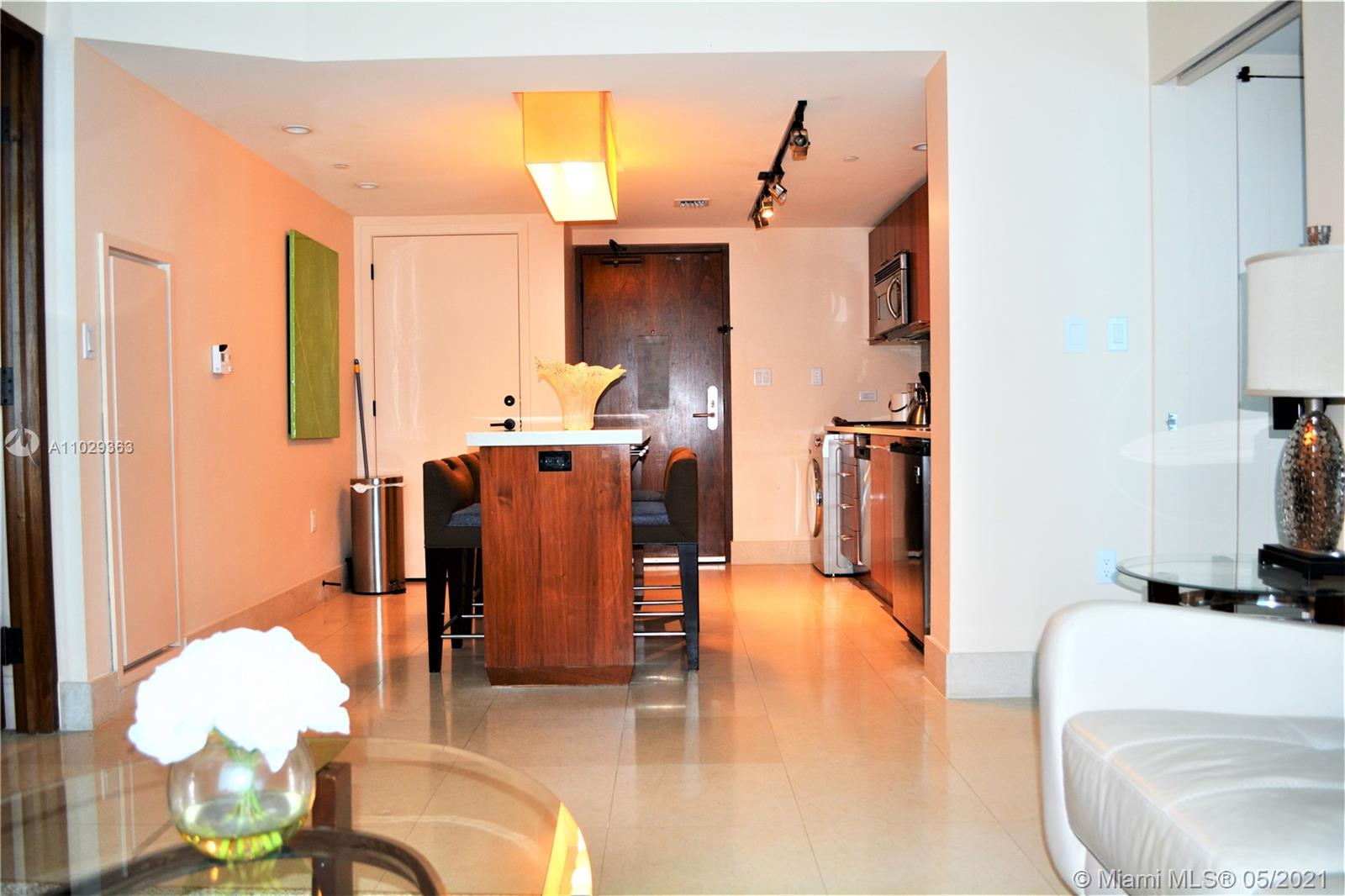 6801 Collins Ave #209 photo02