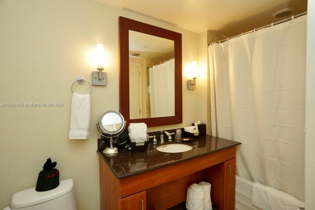 18001 SW Collins Ave #704 photo019
