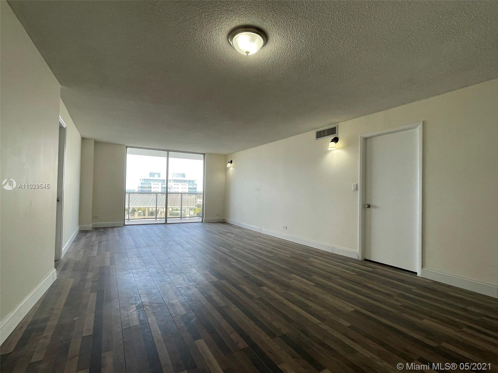 6039 Collins Ave #1036 photo03