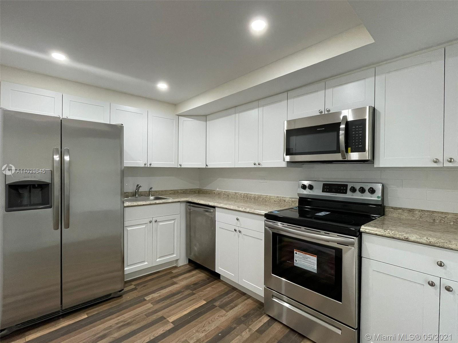 Maison Grande #1036 - 6039 Collins Ave #1036, Miami Beach, FL 33140